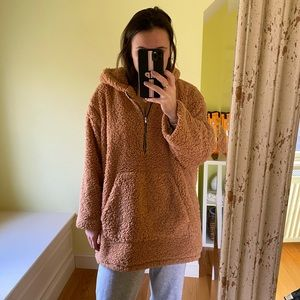 Tops - Oversized tan Teddy sweatshirt